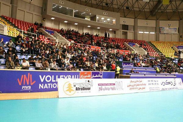حواشی هفته دوم لیگ برتر والیبال؛ استقبال سه هزار نفری در ارومیه، مربی تیم ملی در VIP