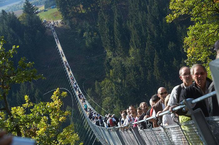 طولانیترین پل معلق جهان در آلمان