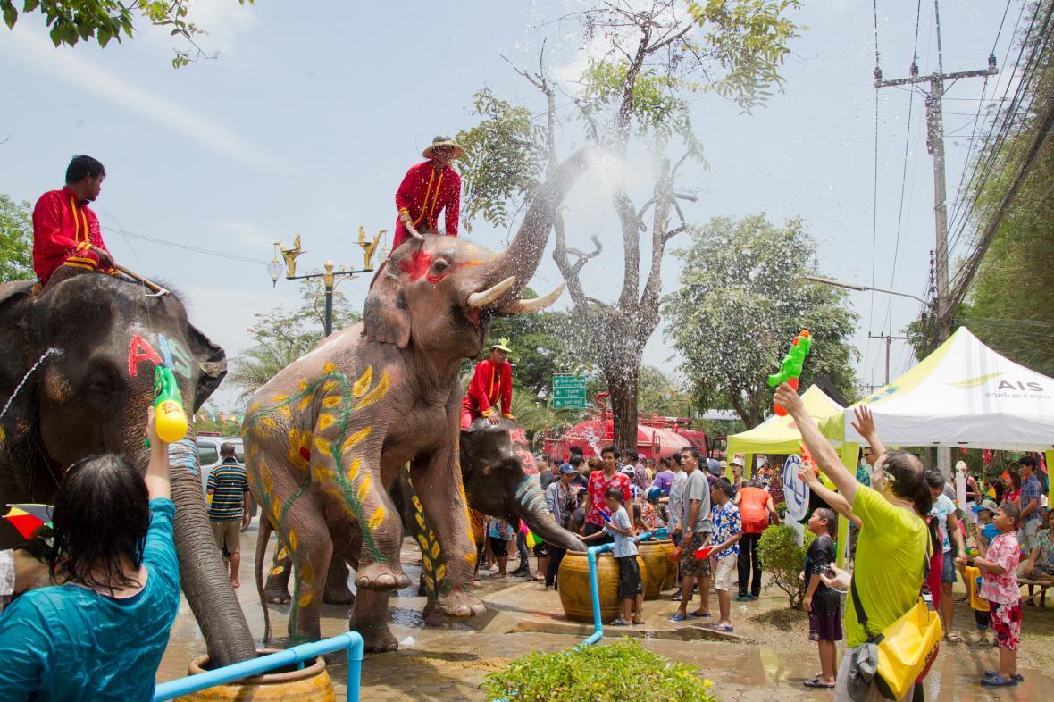 راهنمای سفر جشن آب تایلند