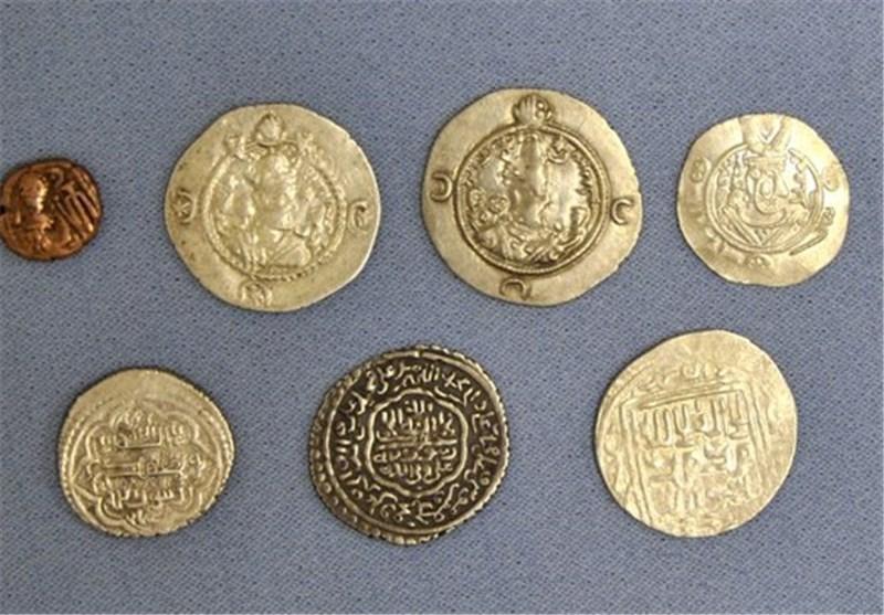 50 سکه دوران صفویه در سمنان کشف شد