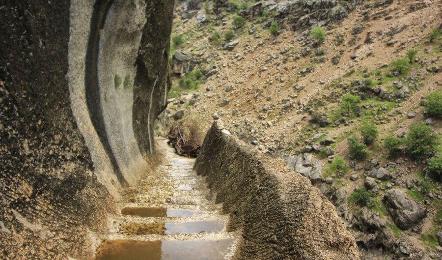 تصاویر ، پله های عجیب در راستا کوچ عشایر بختیاری