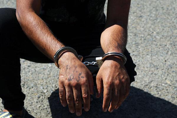 2 شکارچی متخلف در خاتم دستگیر شدند