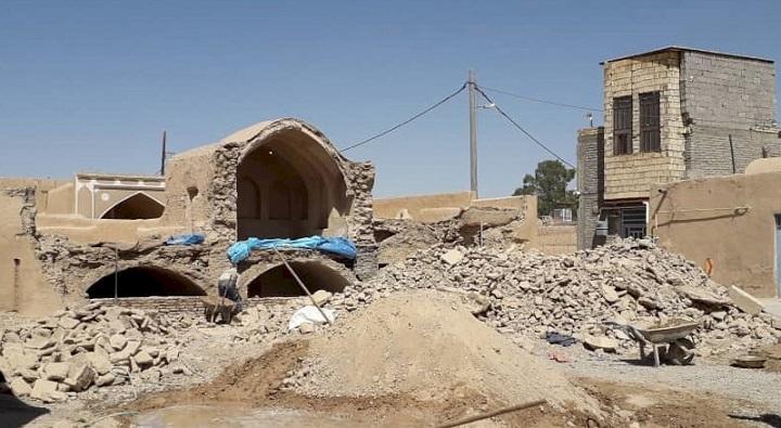 بازسازی اضطراری خانه تاریخی عظیمی در ابرکوه