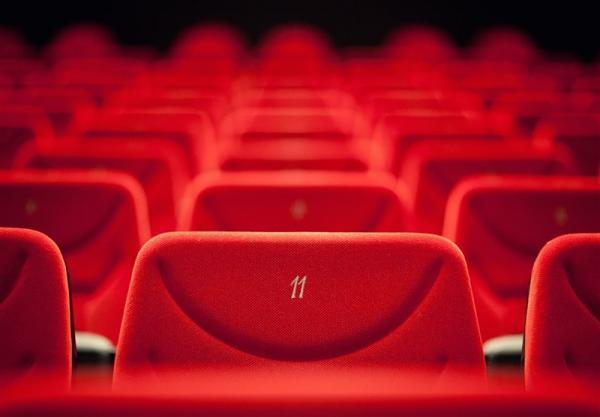 80 درصد مردم اصلاً سینما نمی فرایند ، حدود 15 درصد مردم فقط یک یا دوبار درسال فیلم می بینند! خبرنگاران
