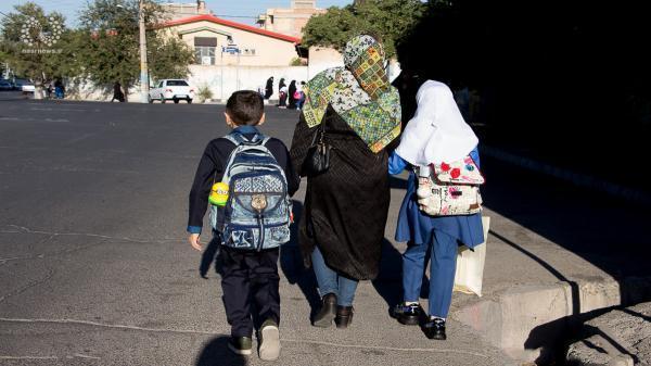 واکنش آموزش و پرورش به ندادن کارنامه دانش آموز به مادر